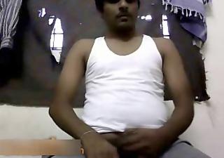 indian chap wanks no cum