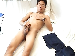 thai homosexual guy view jerking his pecker
