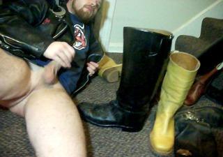 david keller jacks off with boots and licks em